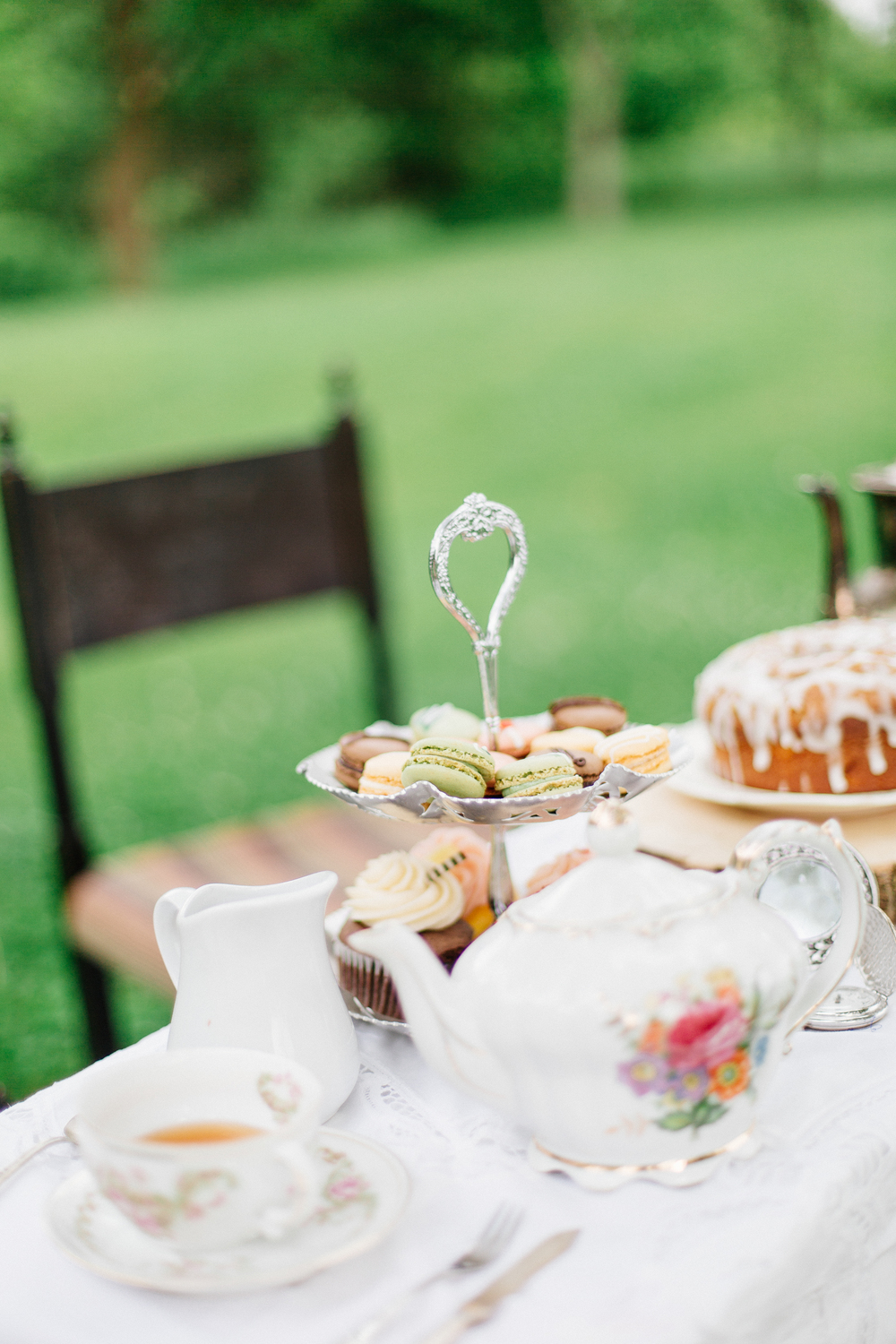 wedding_photographer_minnesota_jen_montgomery_photography[teaparty]-9.jpg
