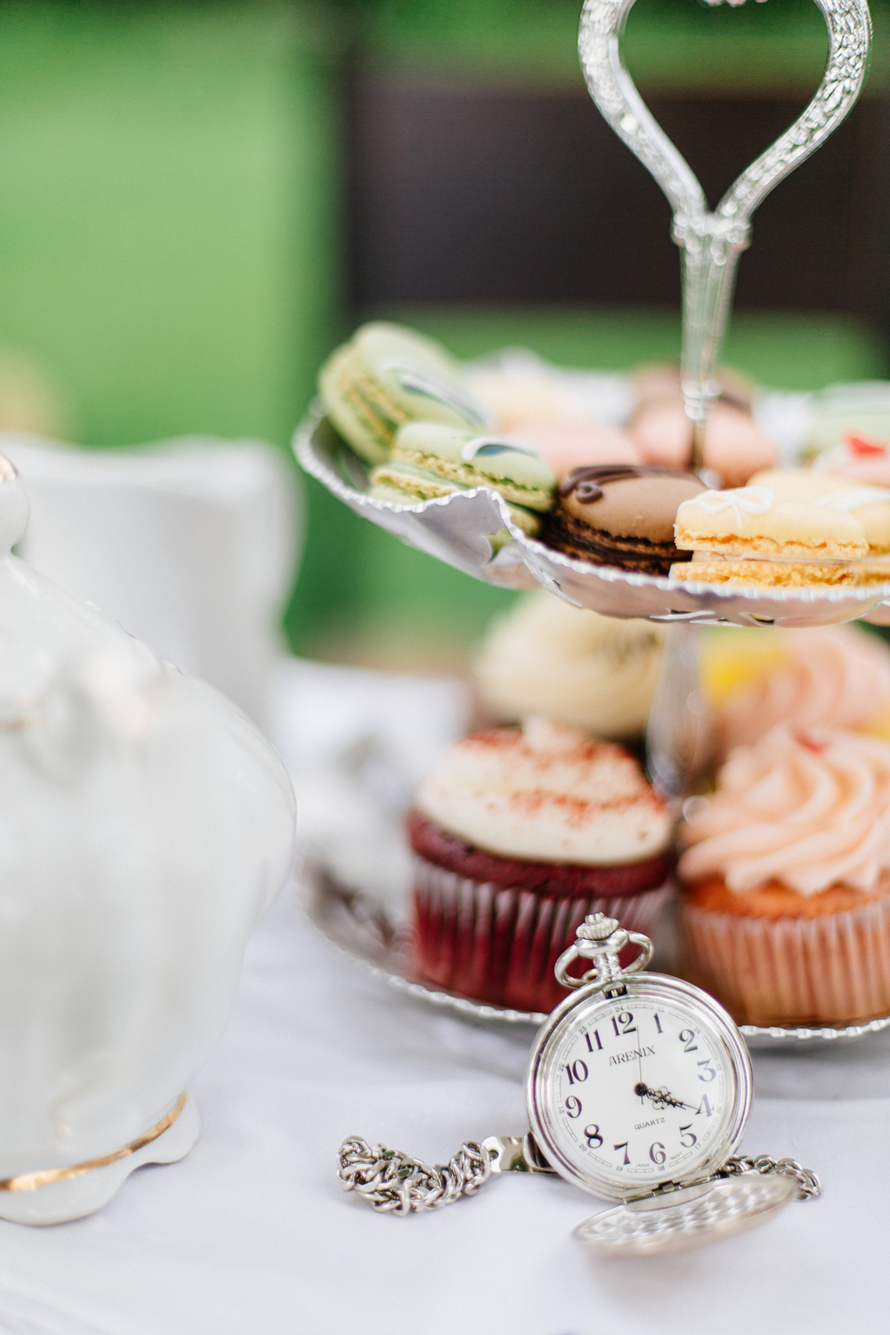 wedding_photographer_minnesota_jen_montgomery_photography[teaparty]-11.jpg