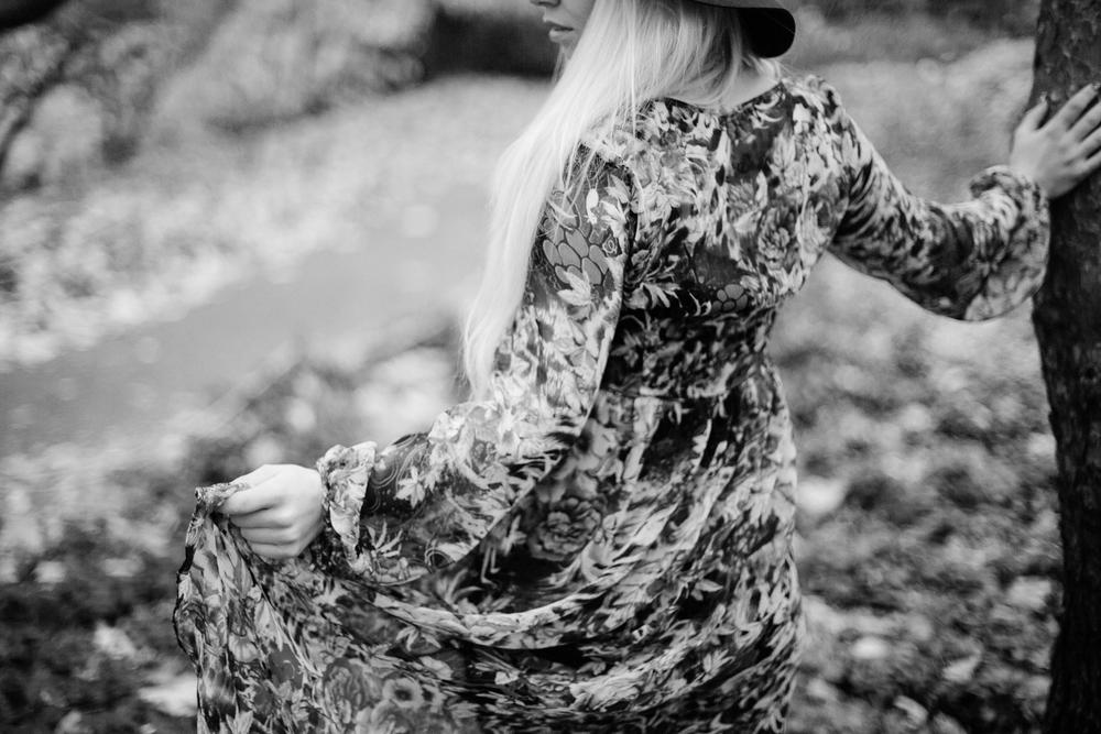 Jen_Montgomery_Photography_MN_kelsiheadshot-21BW.JPG