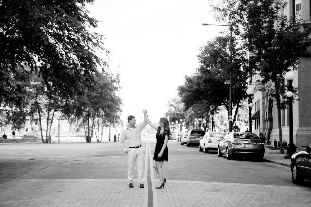Jen_Montgomery_Photography_Dan&Alissa-19BW.JPG