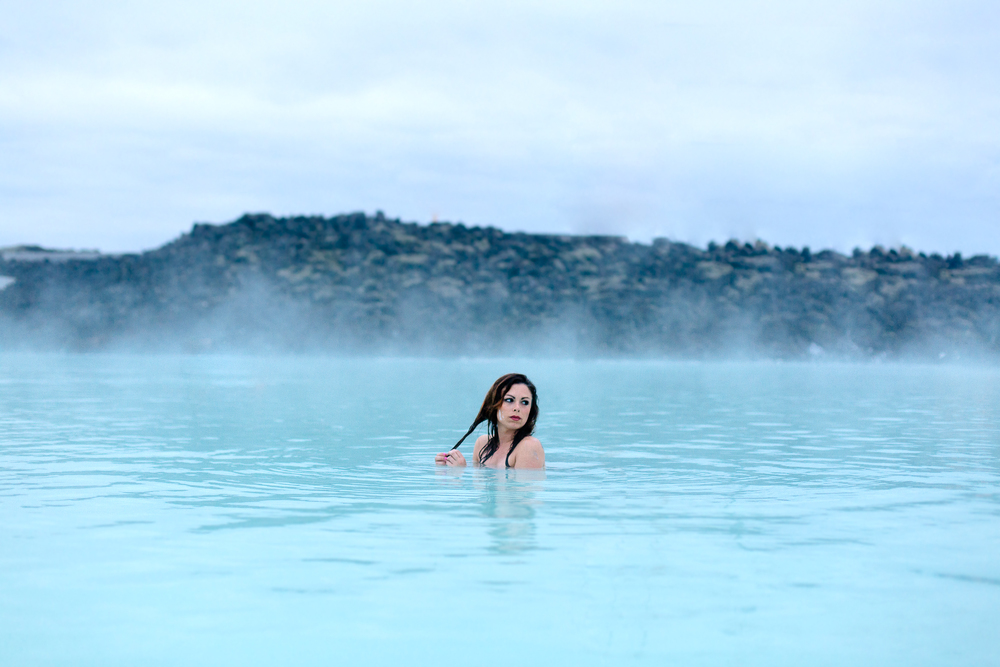Jen_Montgomery_Photography_Lagoon_Blue_Iceland_Angie-8.jpg