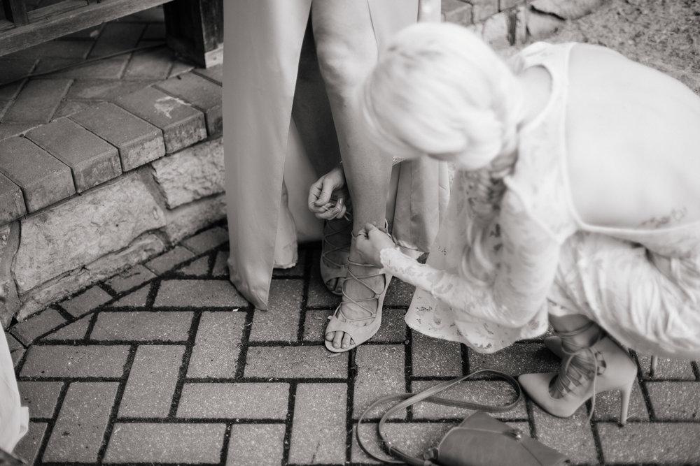 Jen_Montgomery_Photography_KarrahWedding-13.jpg