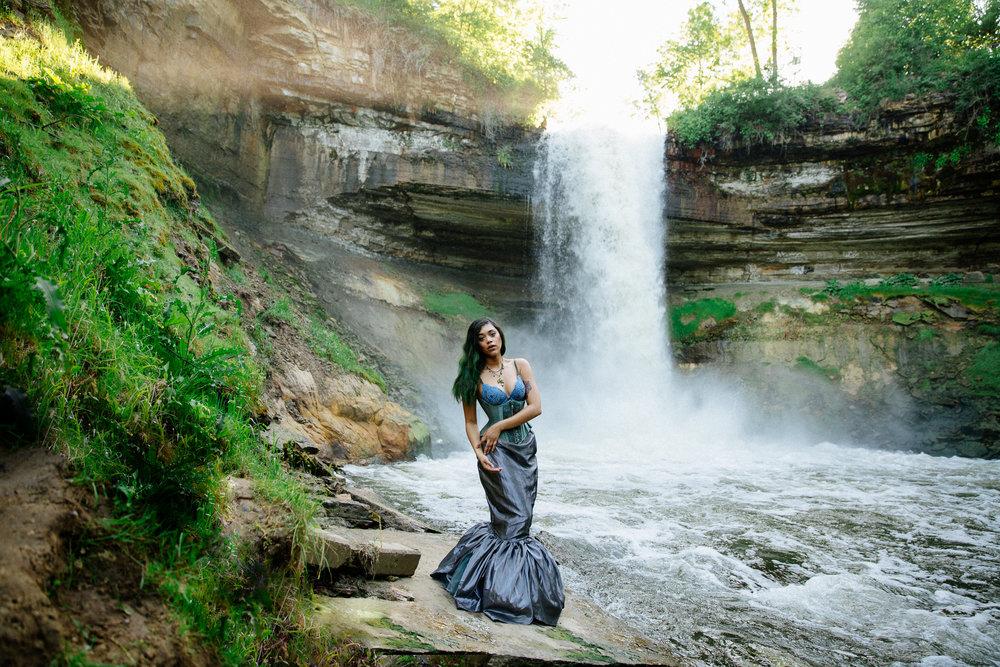 Jen_Montgomery_Photography_LeslieMinehahaFB-4.jpg