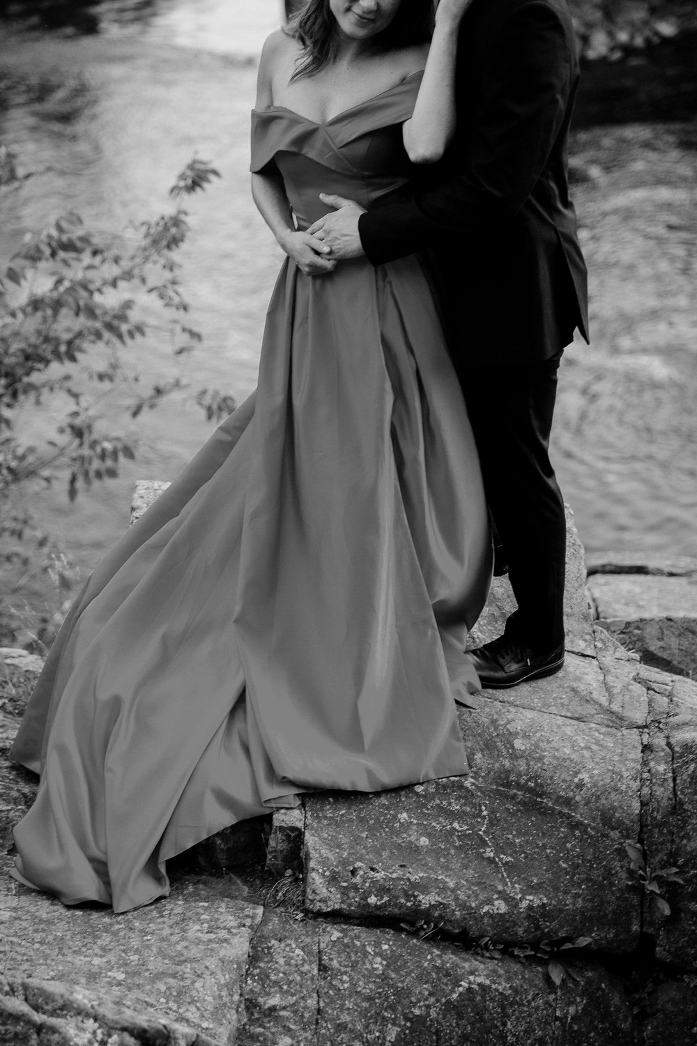 Jen_Montgomery_Photography_Allison&David_Couple_FB-84BW.JPG