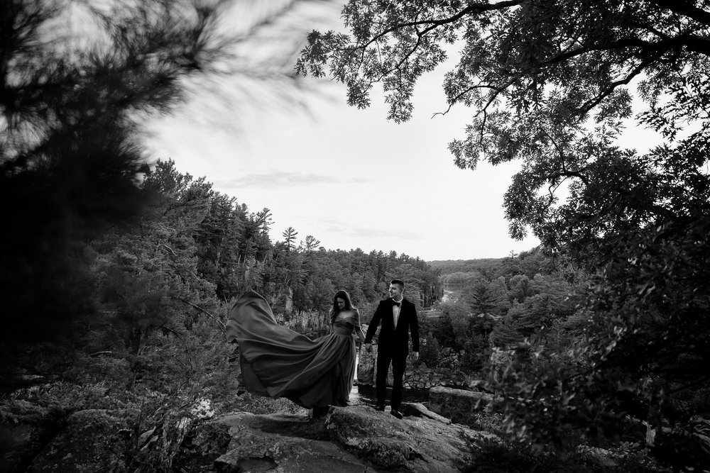 Jen_Montgomery_Photography_Allison&David_Couple_FB-76BW.JPG