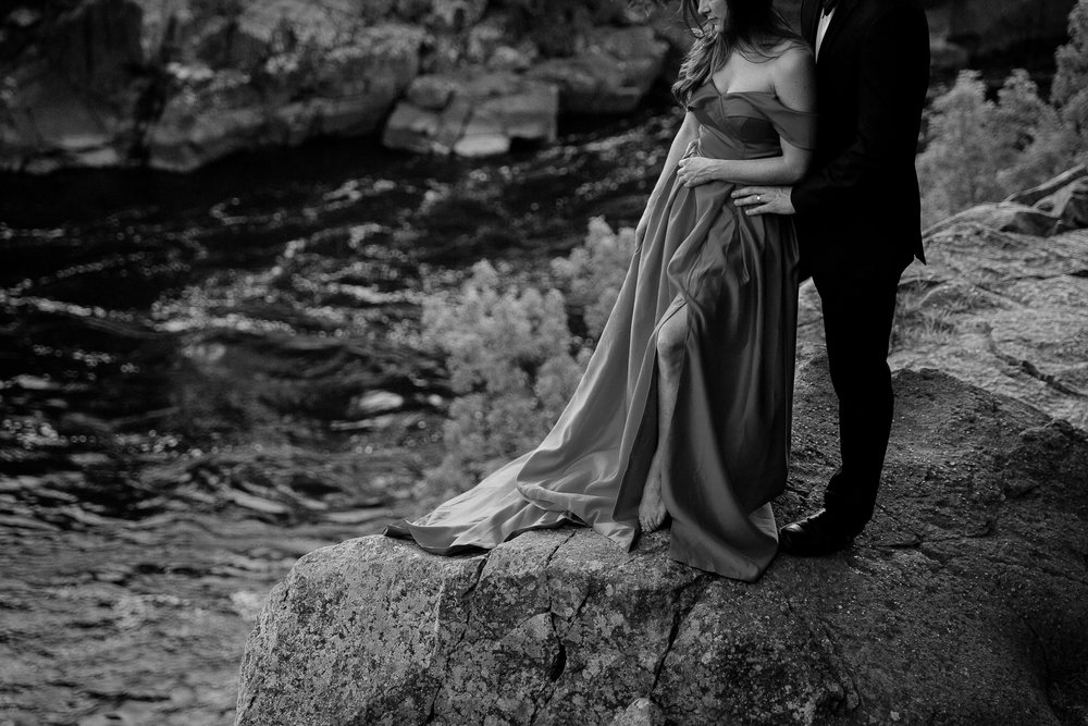 Jen_Montgomery_Photography_Allison&David_Couple_FB-68BW.JPG