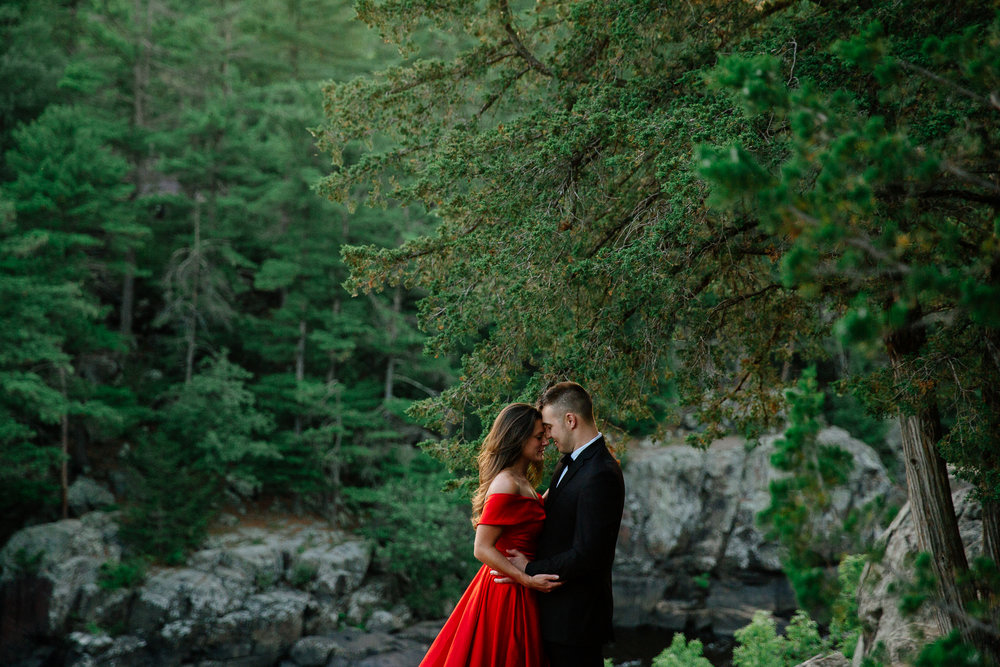 Jen_Montgomery_Photography_Allison&David_Couple_FB-60.jpg