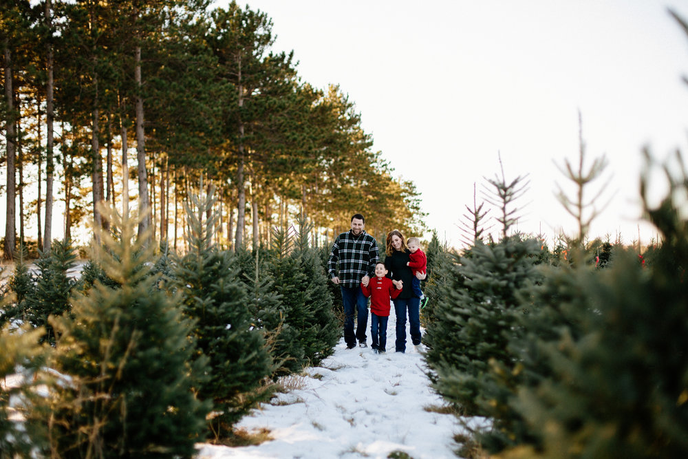 Jen_Montgomery_Photography_Arens_Holiday_Family_FB-5.jpg