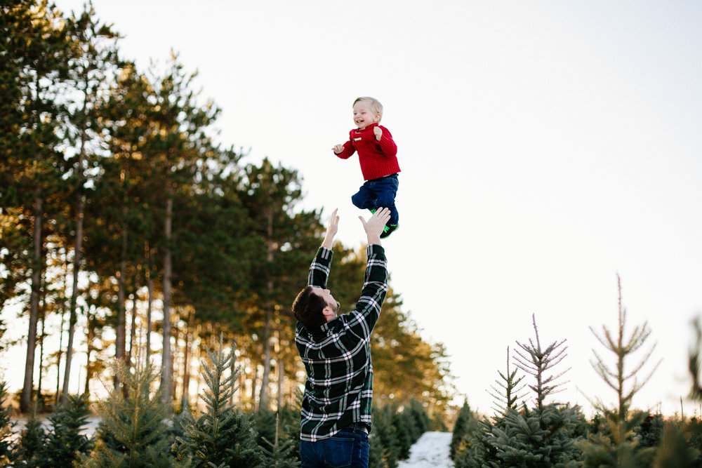 Jen_Montgomery_Photography_Arens_Holiday_Family_FB-6.jpg