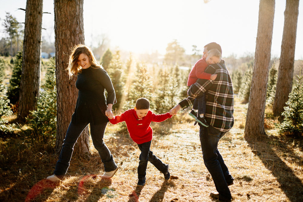Jen_Montgomery_Photography_Arens_Holiday_Family_FB-12.jpg