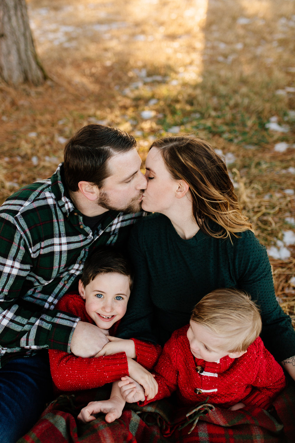 Jen_Montgomery_Photography_Arens_Holiday_Family_FB-28.jpg