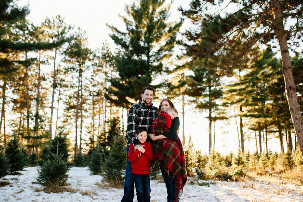 Jen_Montgomery_Photography_Arens_Holiday_Family_FB-38.jpg