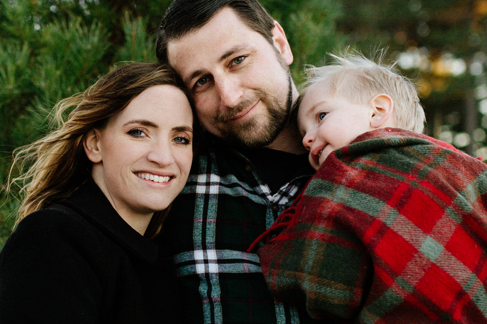 Jen_Montgomery_Photography_Arens_Holiday_Family_FB-48.jpg