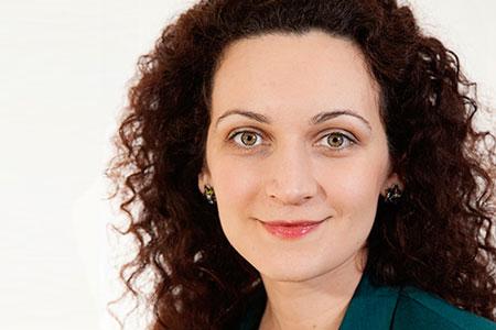 Alina Vasile-Floroaie, Management Consultant