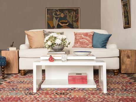 Bohemian living room with ionian cushions