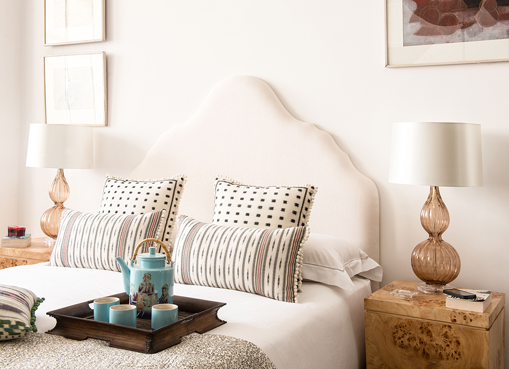 rampur-romance-white-bedroom-iqrupandritz