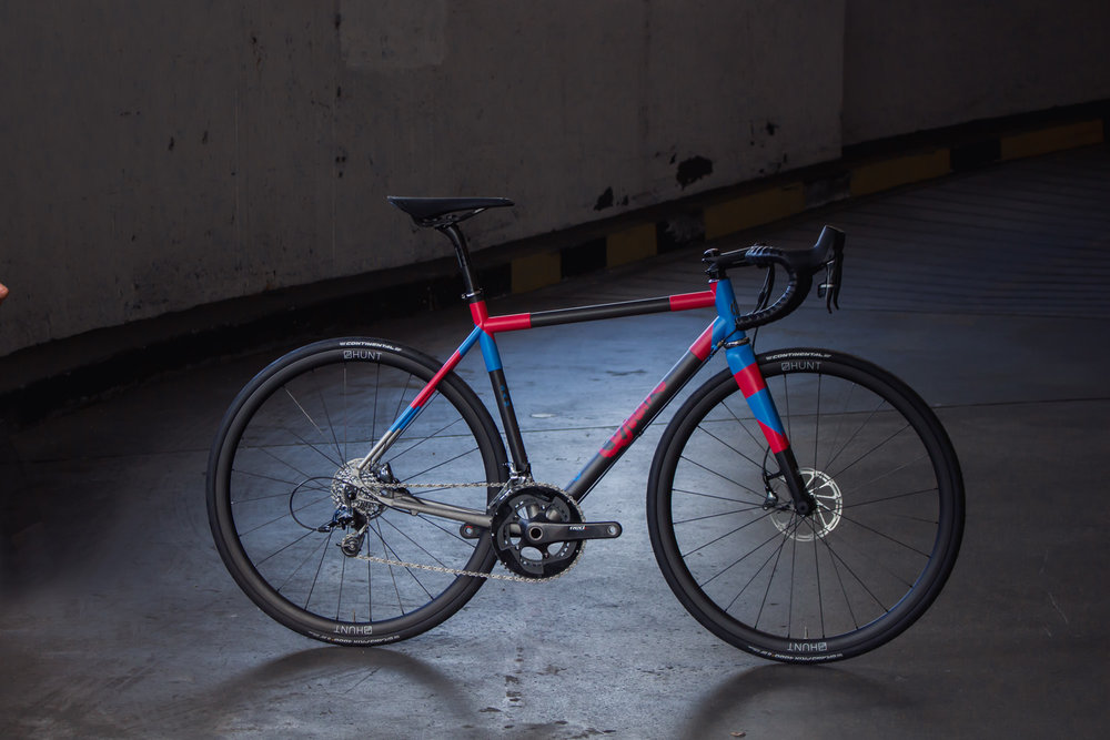 quirk_cycles_stainless_carbon_climber_road_JPEG_0002.jpg