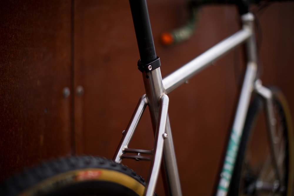quirk_cycles_alistairs_stainless_bruiser_04.jpg