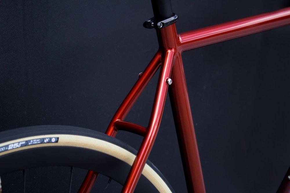 quirk_cycles_rob_mcpherson_road_01.jpg