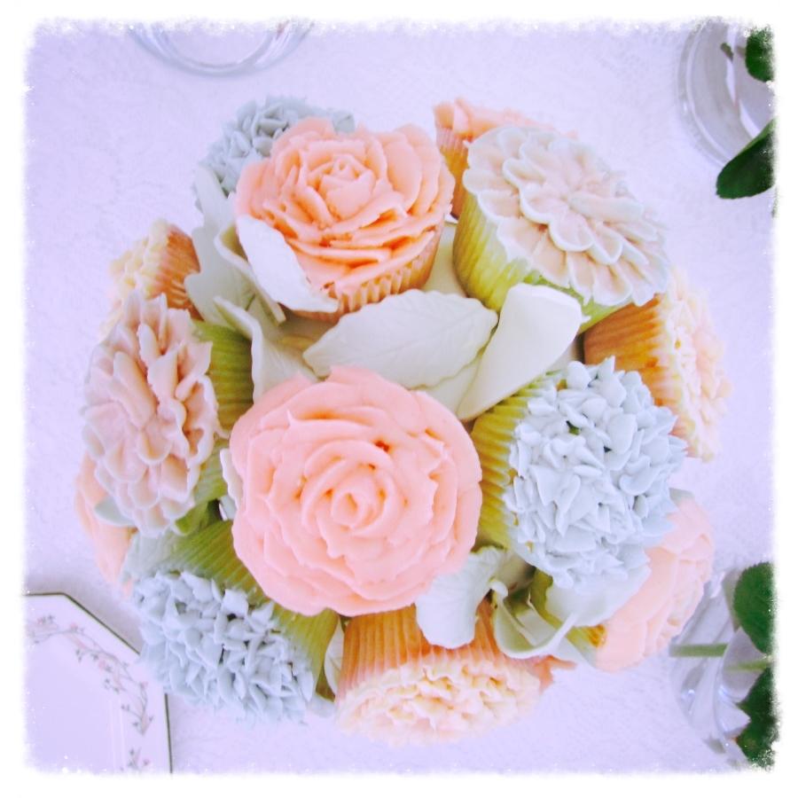 pastel cupcake bouquet