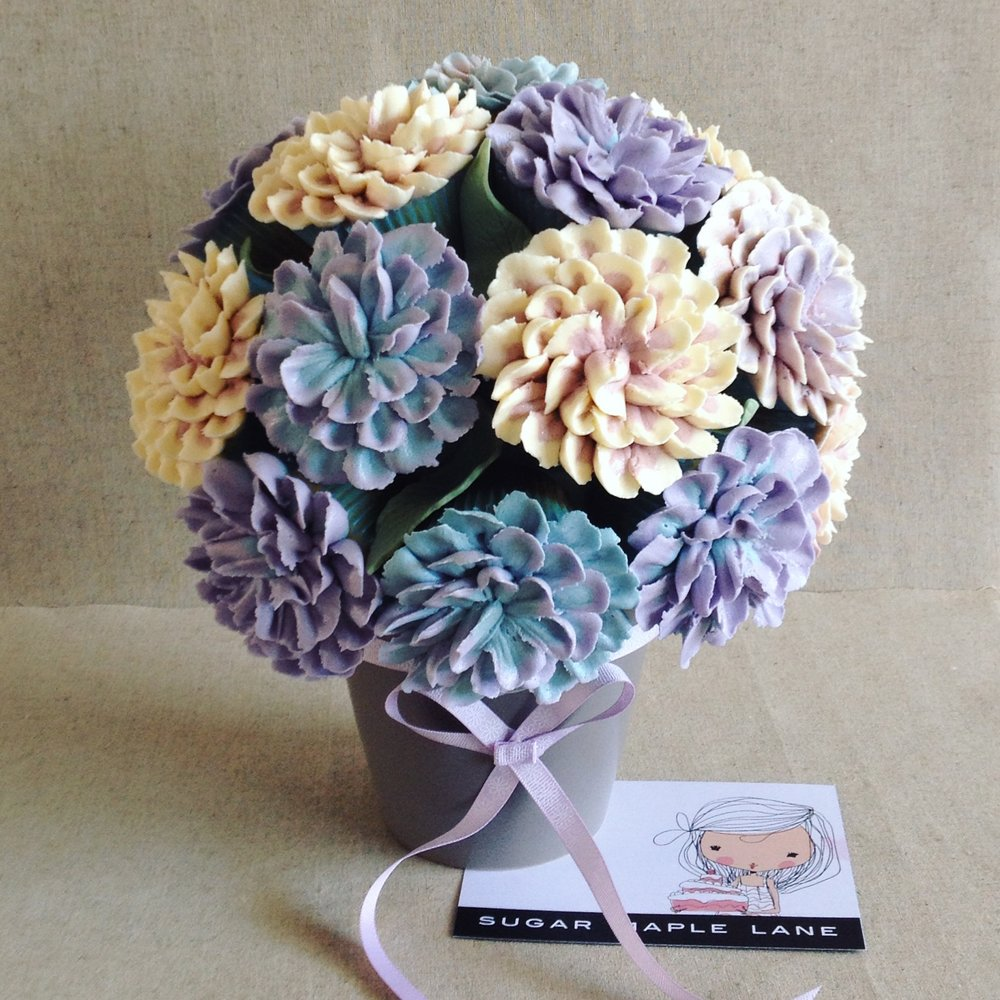 buttercream flower bouquet