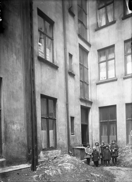 Gårdsrom 1920