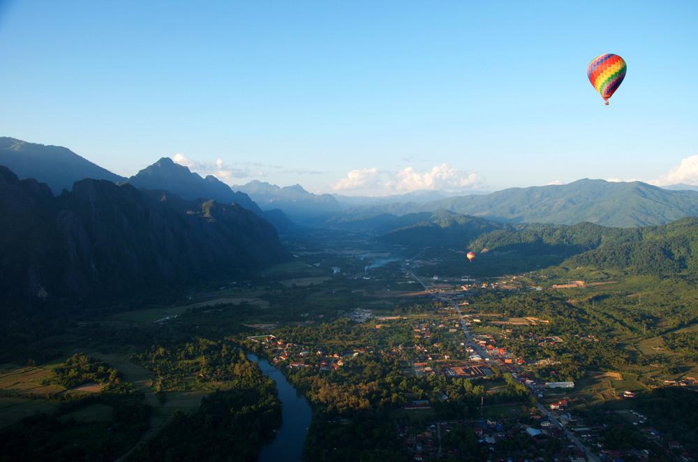 Lebendige Perspektiven: Durch Luftaufnahmen sind wir in der Lage, unser Leben von oben zu betrachten. Wir lassen uns inspirieren, die Dinge mit anderen Augen zu sehen. Folgen Sie diesem Beispiel und kontaktieren Sie uns!