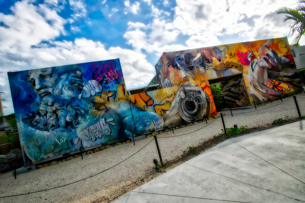 Having a bit of an HDR moment with another unknown artist, I loved the way this wall totally changed depending on how far back you stood.