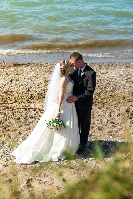 emilysotiphotography-DM-taylor+arin-beachwedding.jpg