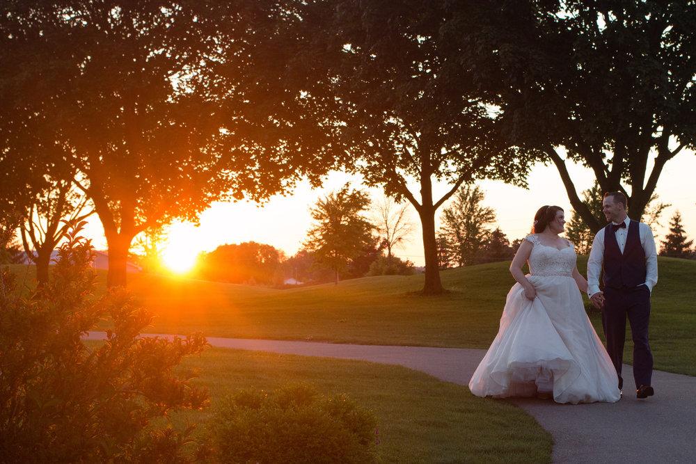 emilysotiphotography-LIB-amber+tyler-sunsetfairytalewedding.jpg