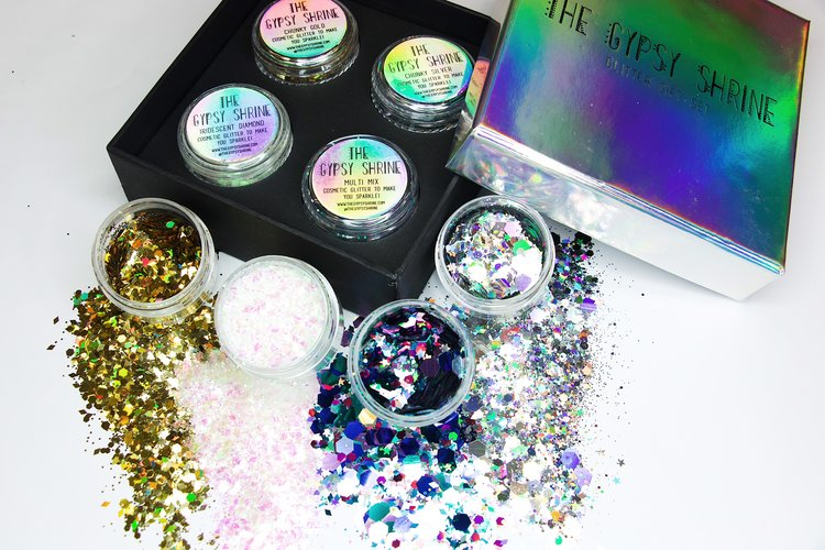 Party Hard Gift Set - For the one who lives to party hard! Glide through Christmas and New Years drenched in twinkles and sparkles... leaving a trail of glitter wherever you go. The perfect accompanying gift set present for the Disco Photo Booth Props Set!