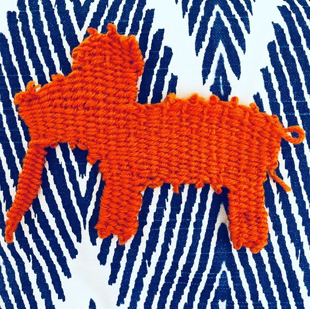 I still thinks it's summer how about you ?😍💛🌞 . . #summer #colors #orange #weaving #loom #pattern #contrast #craft #allday #imagination #foreverakid #make #making