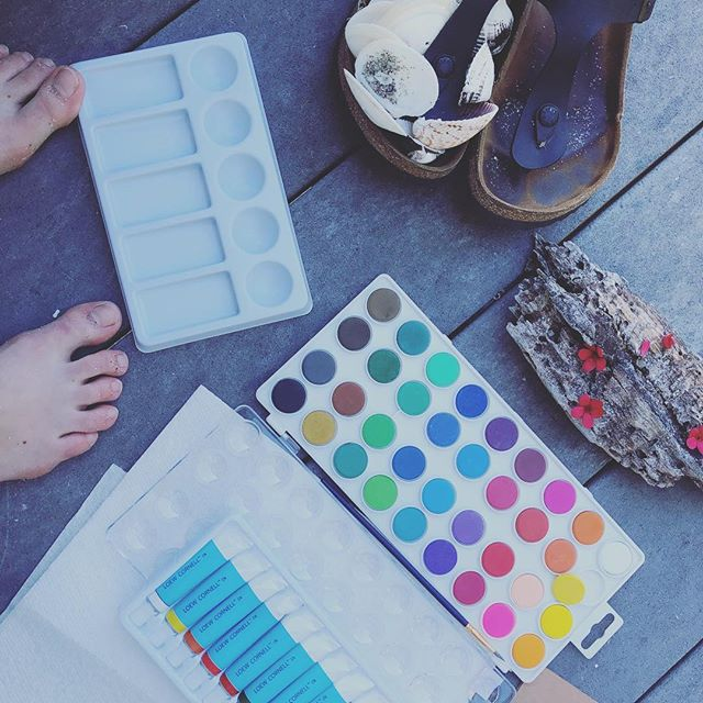 Crafty days... Yesssss  #relaxandcraft #watercoloringpainting #beachsceneries #craftyvacation