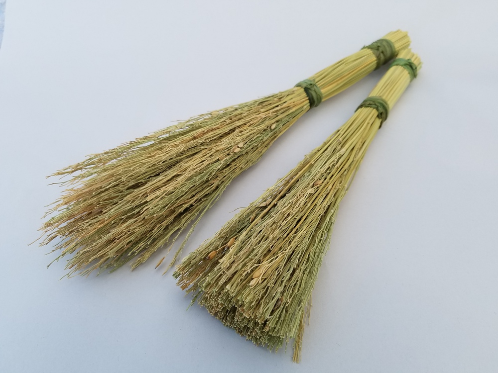 rice straw brushes