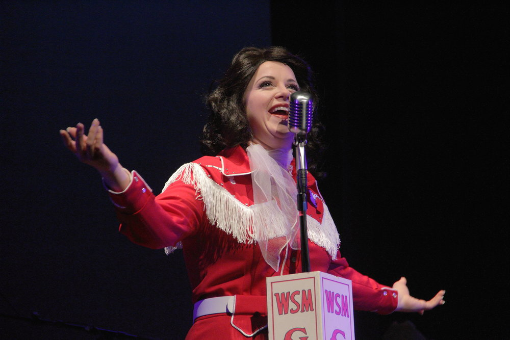 Sandia Ahlers portrays the legendary Patsy Cline. Photo by Samuel W. Flint