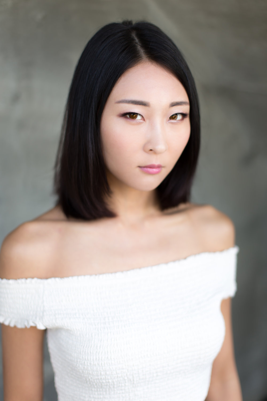 Jessie Li headshot 2.jpg