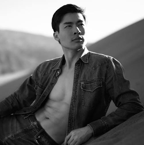 Eric Li headshot 3.jpg