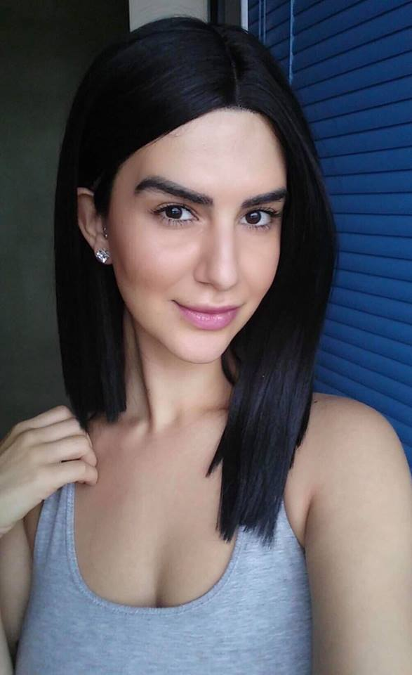Emily E LONG HAIR headshot 2.jpg