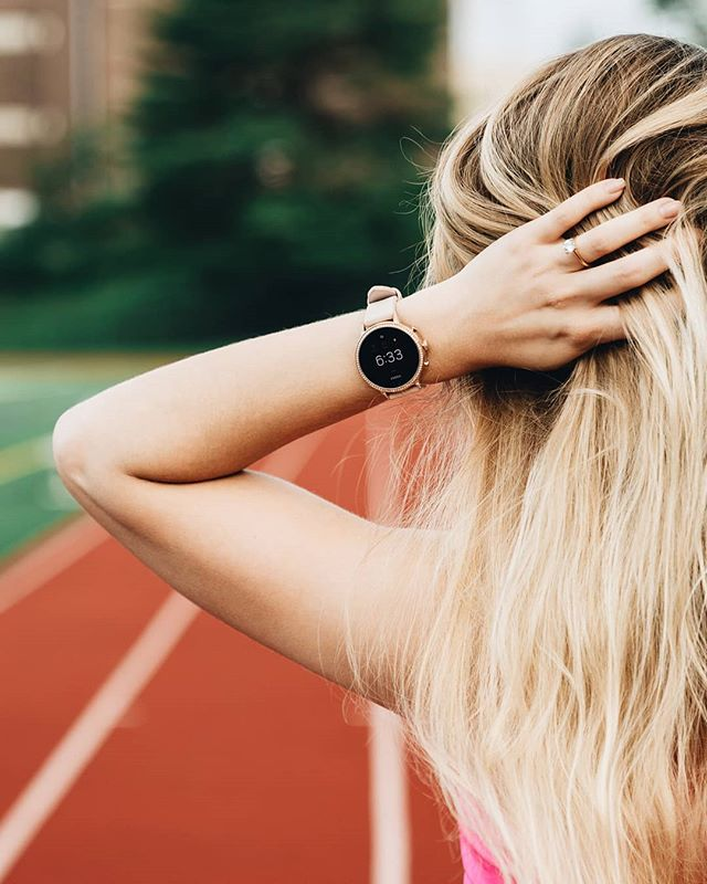 Weekend miles with our @fossil #smartwatch 🏃🏼‍♀️ #onepoint_two #running #fitness #running #fossilstyle