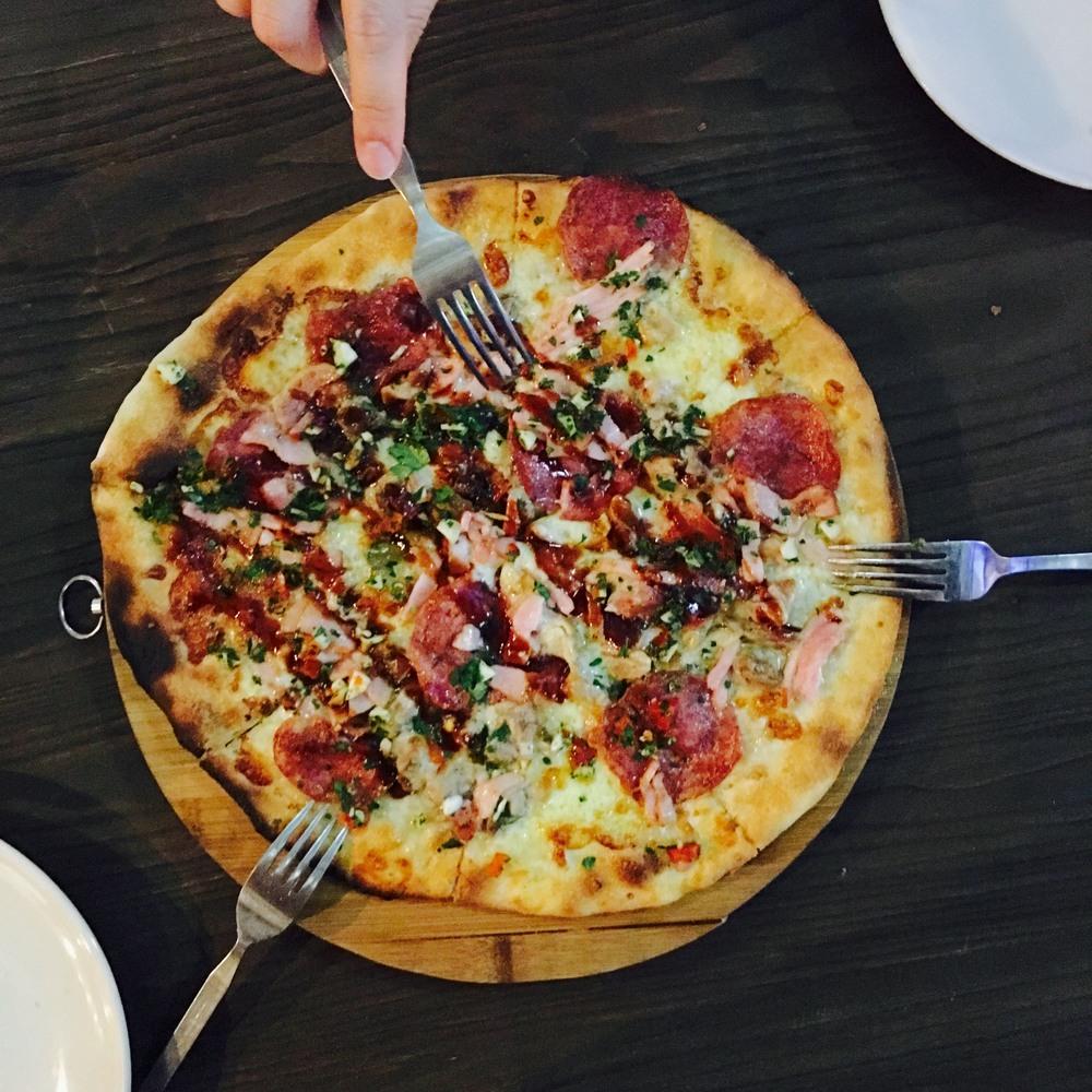 Meaty Magna Pizza