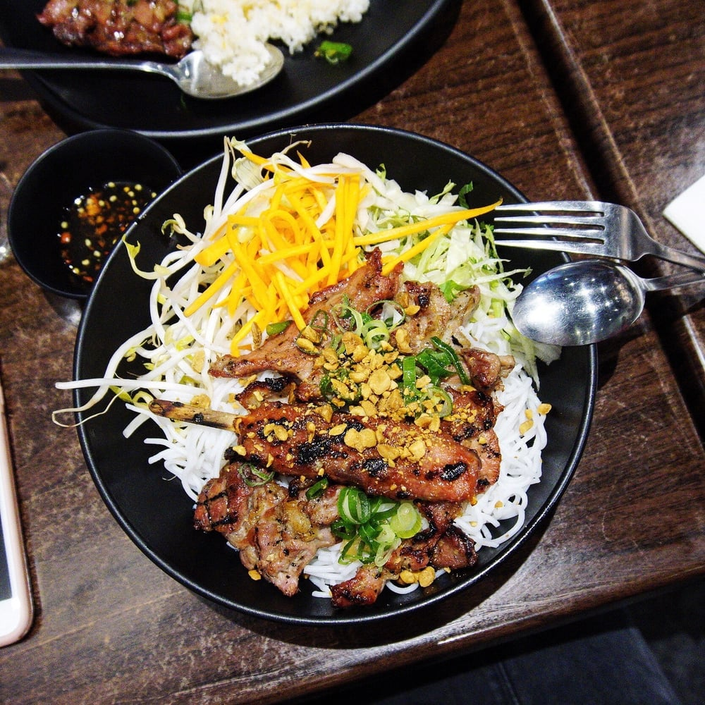 3 Regions Combination of Marinated Grilled Pork with Dry Vermicelli - $15