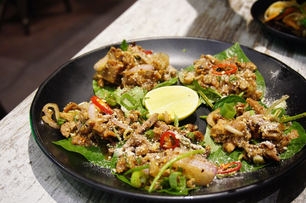 Miang Larb Ped (Minced Duck Salad)