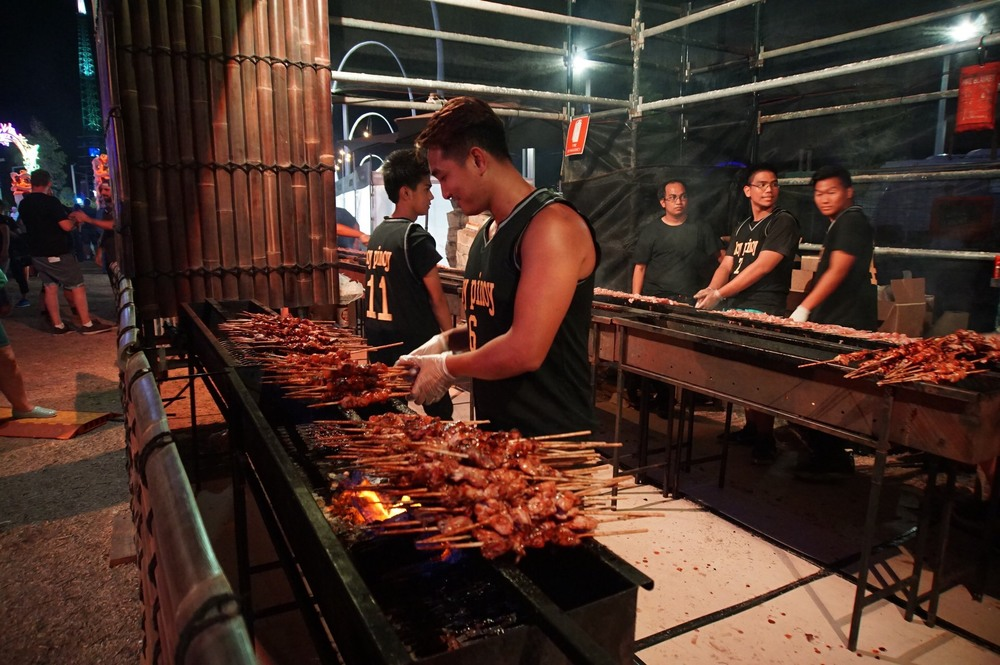 Hoy Pinoy BBQ