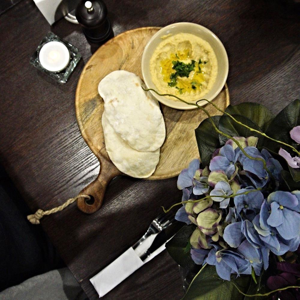 Chee Tayeb Hummus