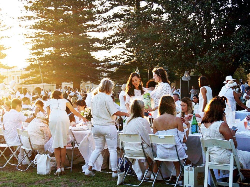 Esplanade Park Diner en Blanc