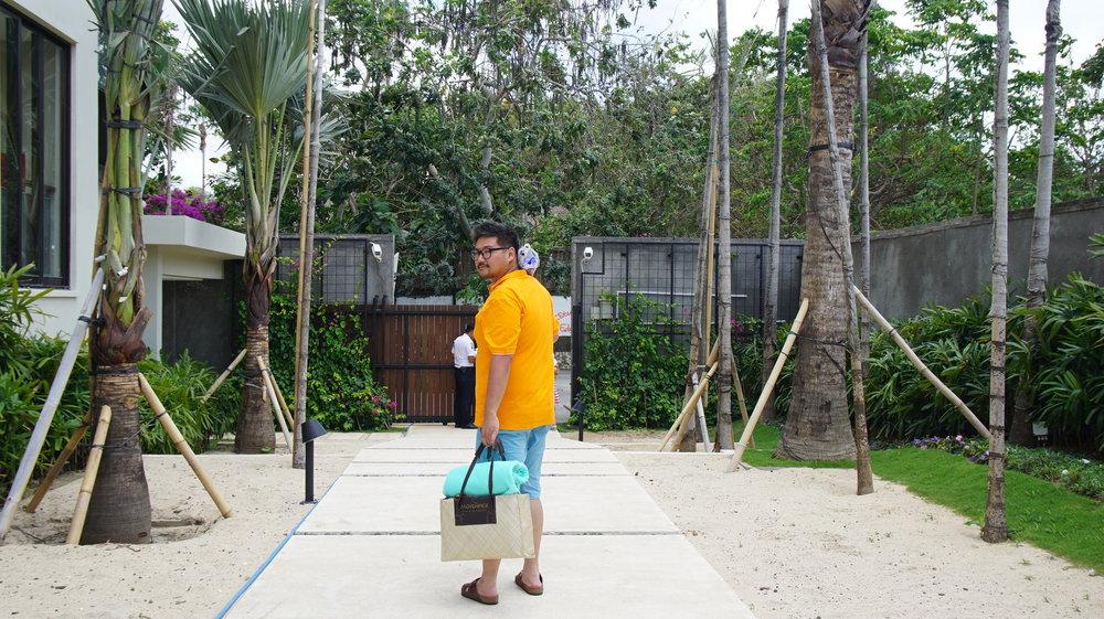 Yay, a trip to the Jimbaran Beach!