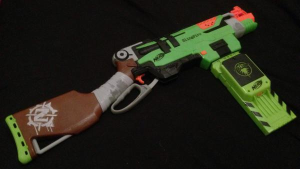 The Slingfire does look über-cool with the green magazine from a Rayven!