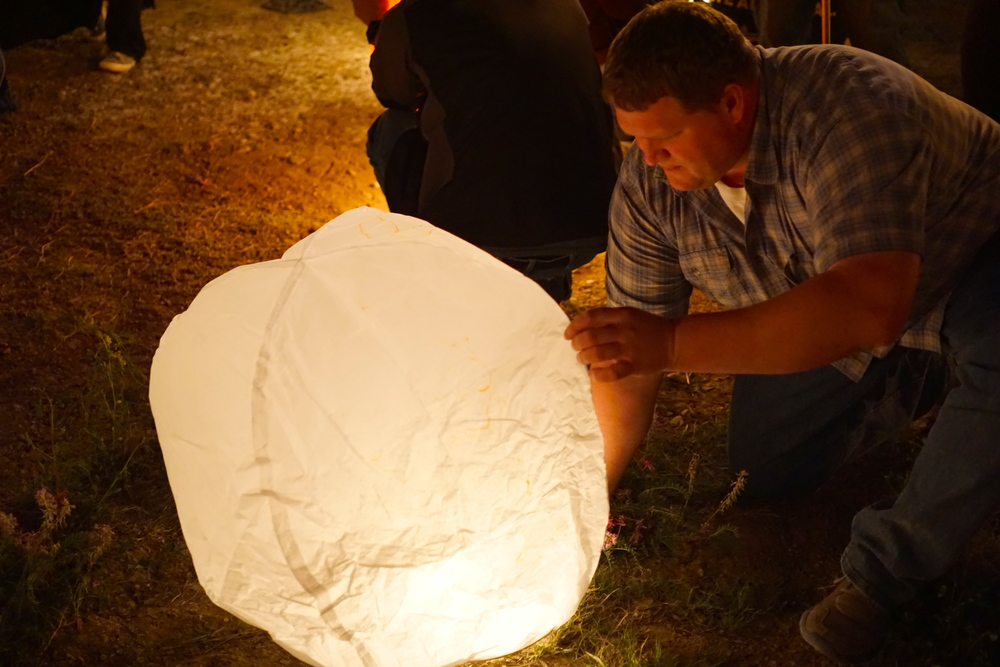Dave trying to fill his lantern with hot air.