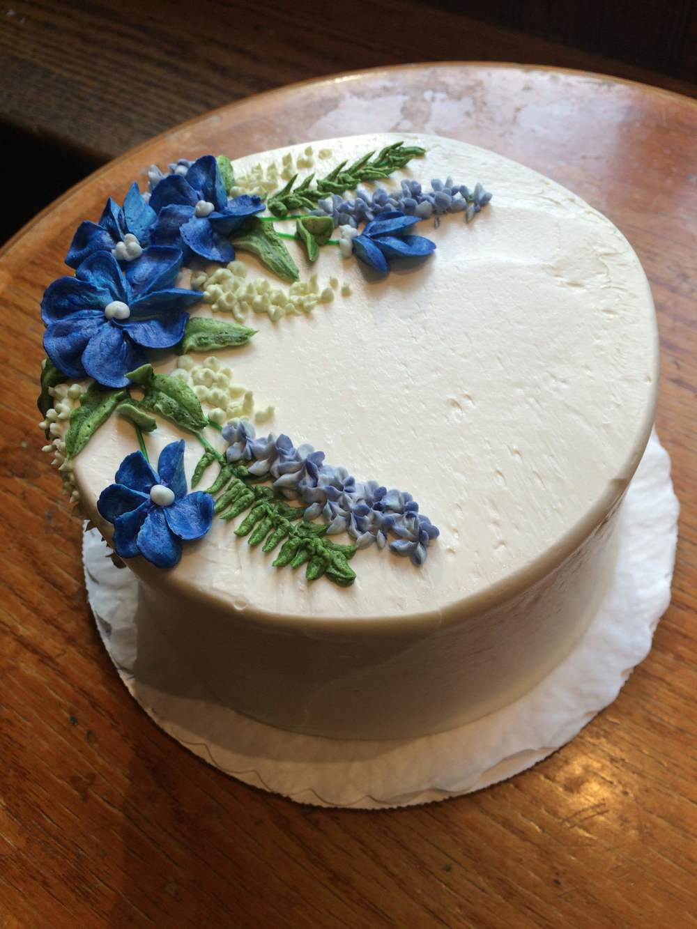 Pic #7: Vanilla buttercream with flowers