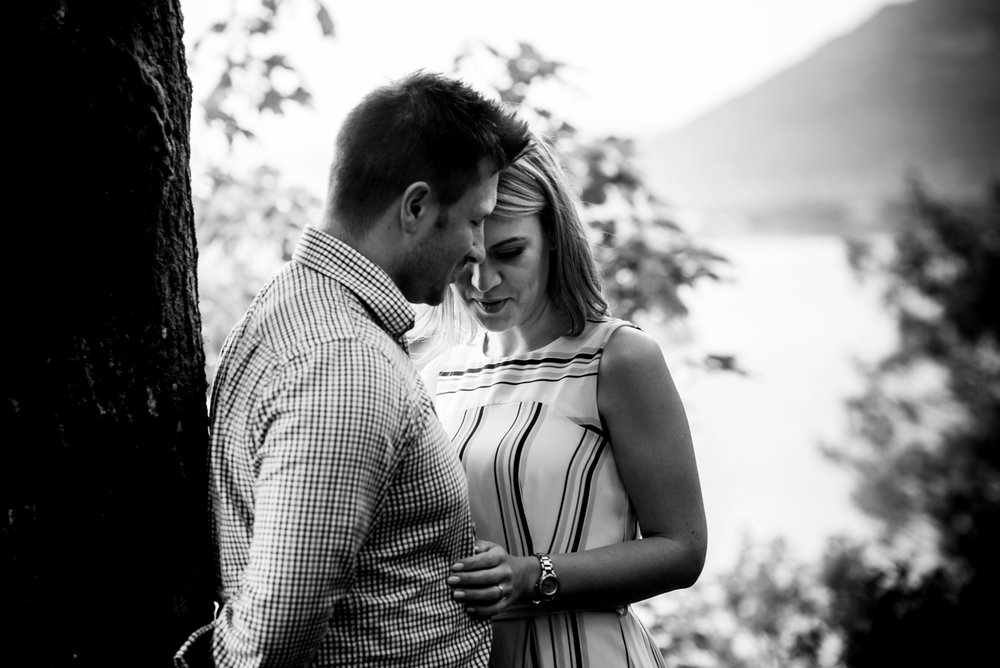 Pre shoot A black and white photo of a couple at surprise view overlooking Derwent water in the Lake district